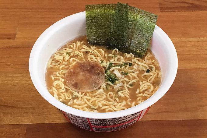 ニュータッチ 横浜家系豚骨醤油ラーメン