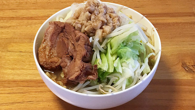宅麺で「夢を語れ 東京 夢のラーメン(味付脂付き)」を注文してみました!人気の二郎インスパイア系が自宅で楽しめます!