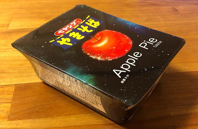 ペヤング アップルパイテイスト やきそば パッケージ