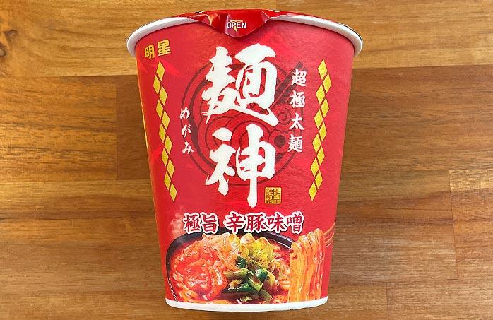 麺神カップ 極旨辛豚味噌 パッケージ
