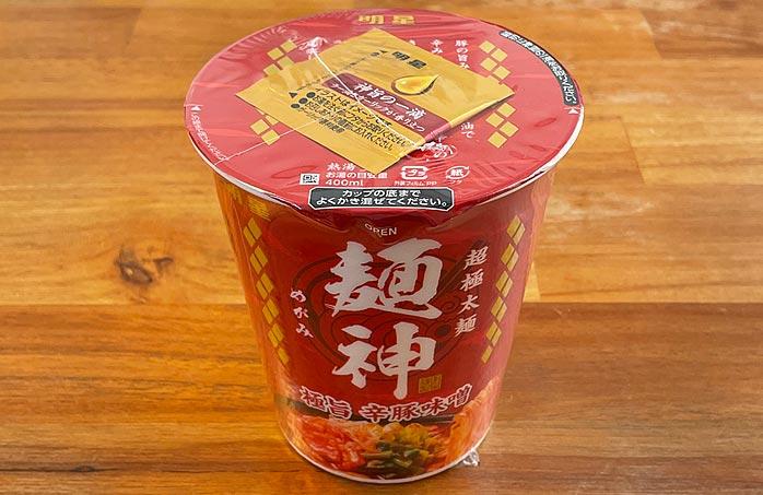 麺神カップ 極旨辛豚味噌